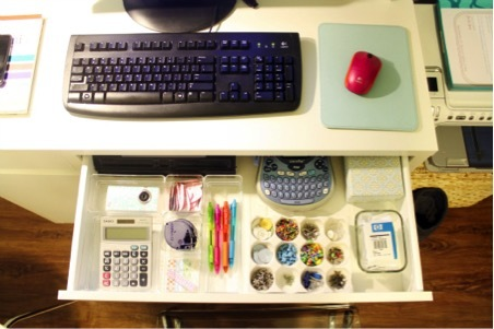7 awesome cures for the monday blues - Organized office desk ...