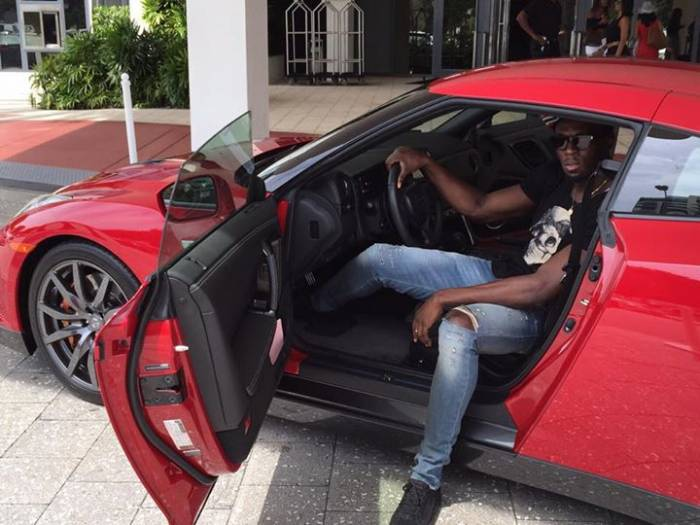 Usain Bolt Poses In One Of Nissan S Fastest Cars