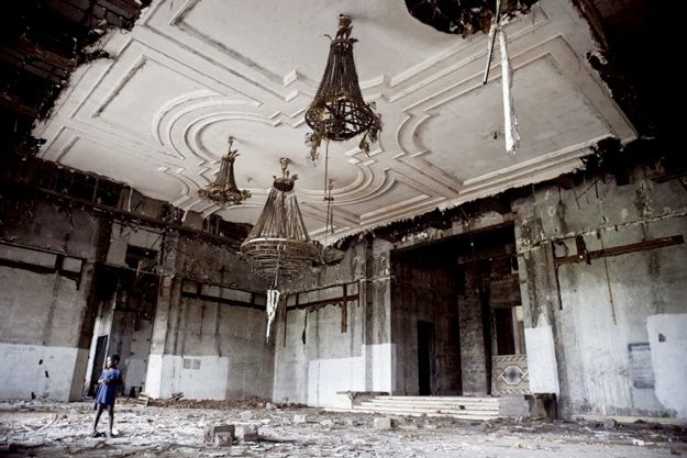 8 Mansions That Were Left Abandoned
