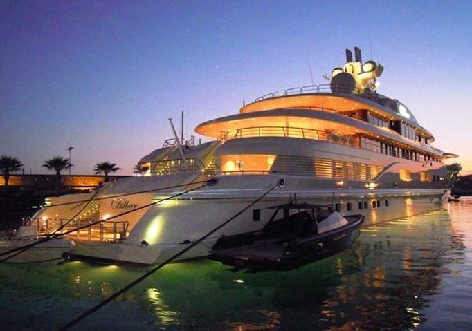voyage l int rieur des 10 yachts les plus chers au monde afrizap. Black Bedroom Furniture Sets. Home Design Ideas