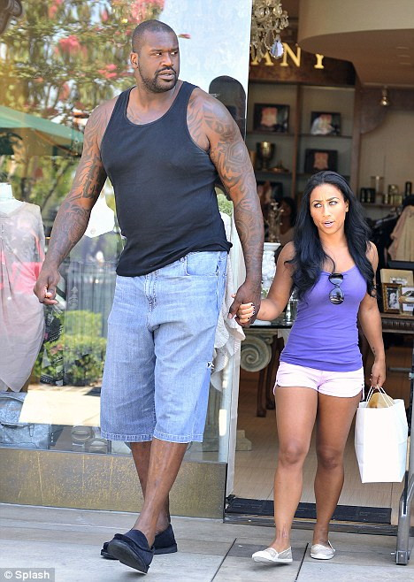 Shaquille-ONeal-and-his-girlfriend-Nicole-Hoopz-Alexander