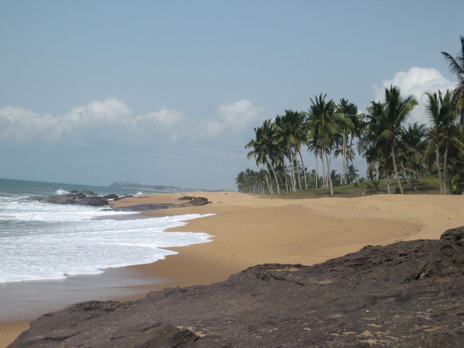 Beach_with_palms_Ghana