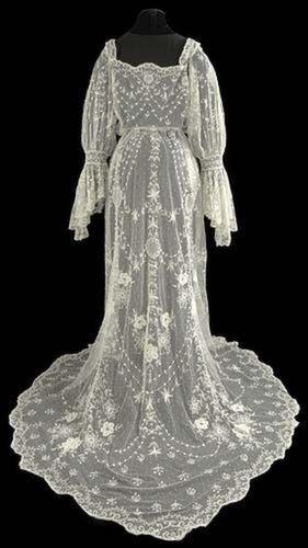robe femme annee 1900. Black Bedroom Furniture Sets. Home Design Ideas