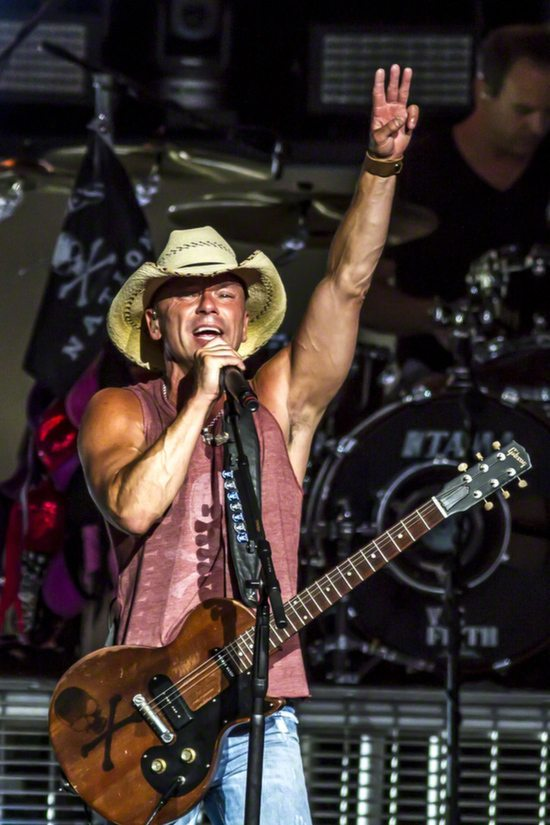 kenny_chesney_2013