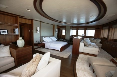 voyage l 39 int rieur des 10 yachts les plus chers au monde. Black Bedroom Furniture Sets. Home Design Ideas