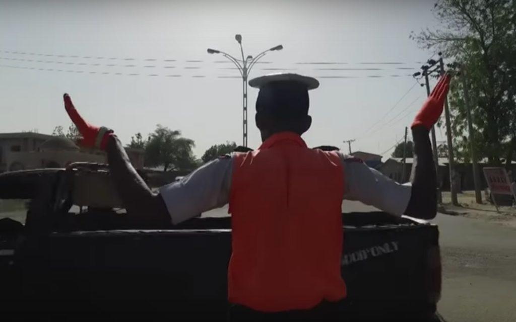 Policier danseur